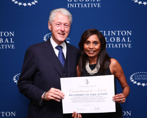 44 Chitra Rajeshwari 1 with President Clinton 495x400 - Home